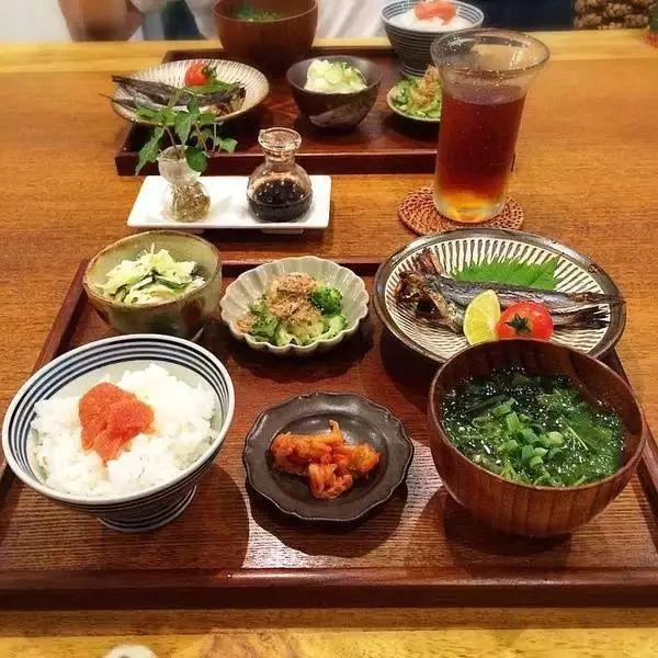 Người Nhật sống lâu vì họ không mắc phải 4 sai lầm trong bữa tối, trong khi nhiều người Việt thì có - Ảnh 2.