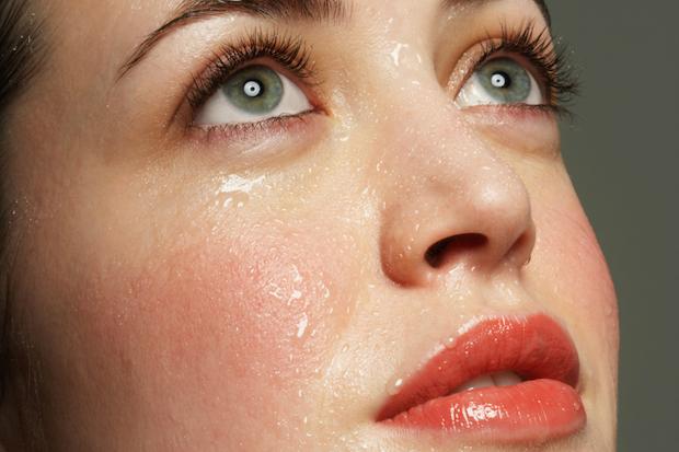 2 thời điểm độc nếu đổ mồ hôi nghĩa là nhiều cơ quan trong cơ thể đã mắc bệnh, bạn cần phải đi khám gấp và chữa trị kịp thời - Ảnh 2.