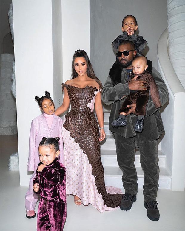 Gia tài tỷ đô của Kim - Kanye: Bất động sản khắp nước Mỹ, 2 đế chế thời trang rung chuyển thế giới, chia kiểu gì hậu ly hôn? - Ảnh 7.