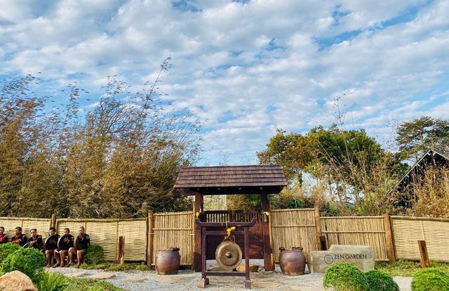 Vườn Zen gần 1ha trong tổ hợp BĐS của ông Đặng Lê Nguyên Vũ vừa khai trương: Xây theo kiến trúc chữa lành Thân – Tâm – Trí, thu vé vào cổng bằng… cây  - Ảnh 1.