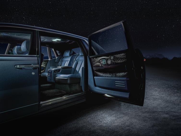 Rolls-Royce ra mắt bộ sưu tập Phantom Tempus với cả dải thiên hà huyền bí trong cabin - Ảnh 3.