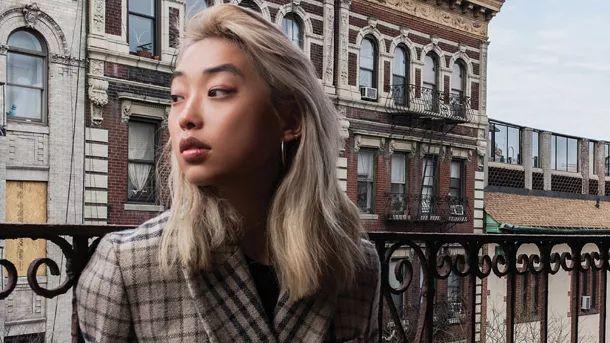 27 tuổi, từng là con vịt xấu xí bị phân biệt chủng tộc, Margaret Zhang giờ có gì trong tay để ngồi lên chiếc ghế tổng biên tập Vogue Trung Quốc?  - Ảnh 6.