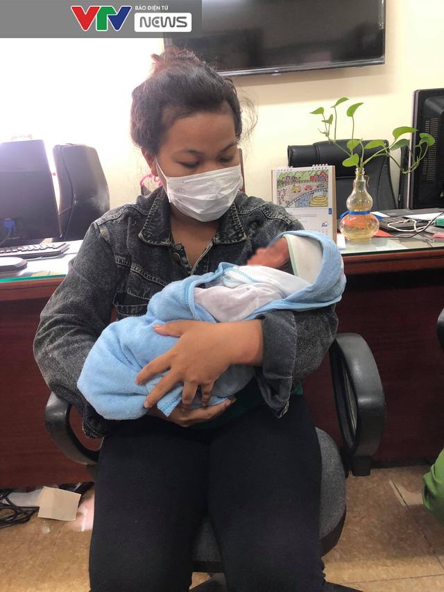 Triệt phá đường dây mua bán trẻ sơ sinh sang Trung Quốc quy mô cực lớn - Ảnh 2.