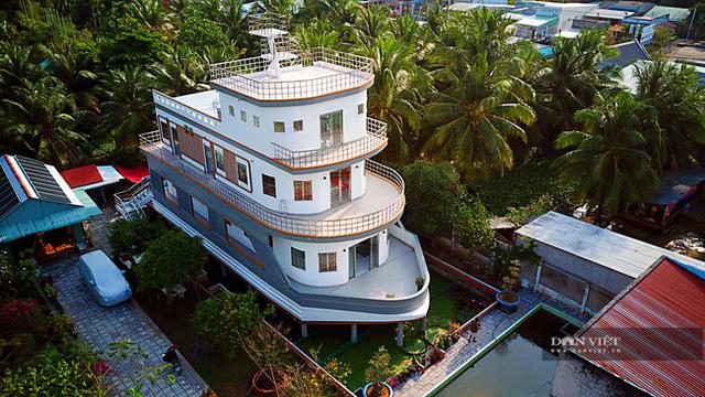 Lão nông nuôi lươn ở Vĩnh Long bỏ 5 tỷ xây căn nhà có hình dáng du thuyền: Nghe ý tưởng bảo điên, tới khi hoàn thành ai nấy choáng ngợp! - Ảnh 1.