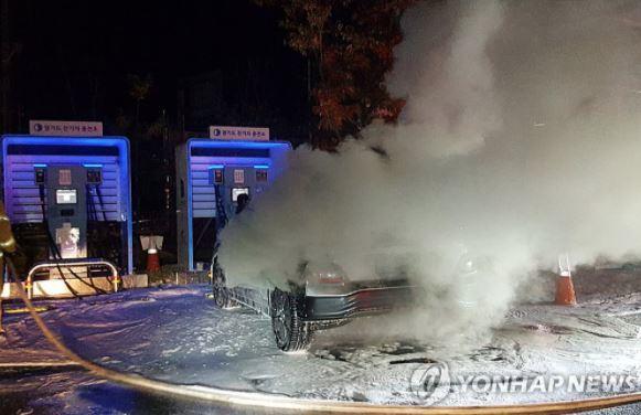 Hyundai triệu hồi 82.000 ô tô điện: Vụ triệu hồi tốn kém nhất lịch sử - Ảnh 2.