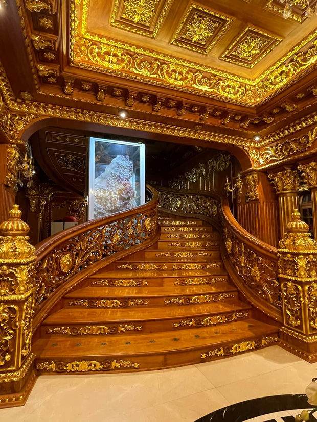 Biệt thự 7 tầng của đại gia ngành sắt Việt giàu lên từ thu mua sắt vụn: Độ hoành tráng sánh ngang lâu đài, tổng giá trị cỡ 300 tỷ  - Ảnh 3.