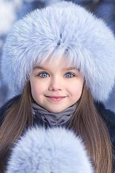 Được mệnh danh là cô bé xinh đẹp nhất thế giới với đôi mắt xanh thẳm say đắm lòng người, siêu mẫu nhí đẹp không góc chết giờ ra sao? - Ảnh 5.