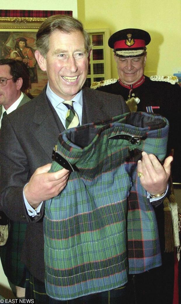 Những lần Hoàng gia Anh dùng trang phục để phát đi thông điệp bí mật: Hoá ra không chỉ sang trọng mà còn thật tinh tế - Ảnh 6.