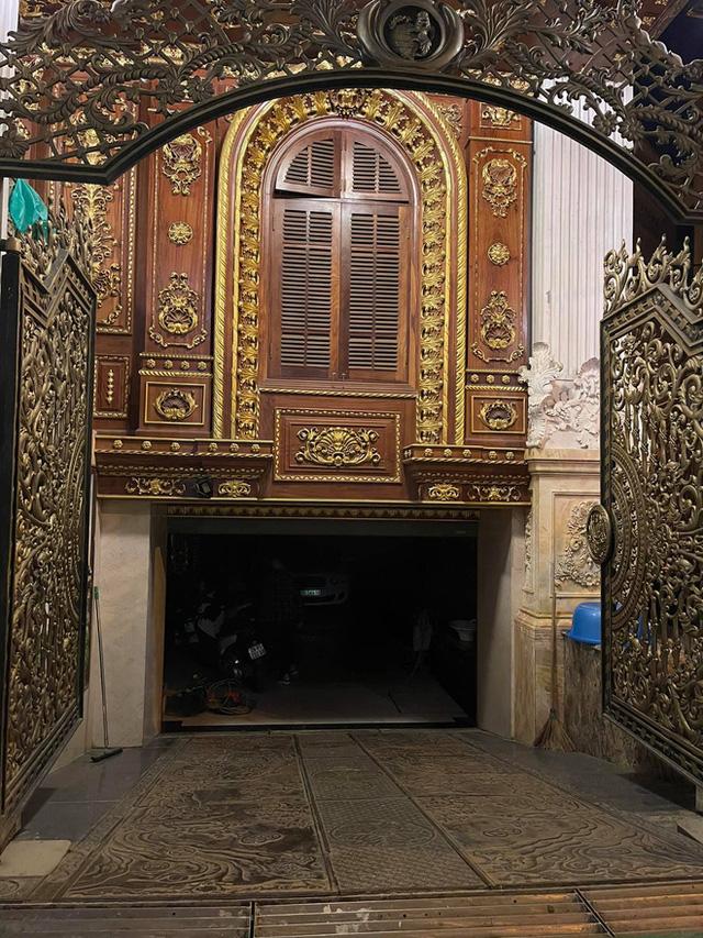 Biệt thự 7 tầng của đại gia ngành sắt Việt giàu lên từ thu mua sắt vụn: Độ hoành tráng sánh ngang lâu đài, tổng giá trị cỡ 300 tỷ  - Ảnh 10.