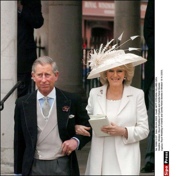 Những lần quy định Hoàng gia Anh bị phá tan bởi chính Nữ hoàng Elizabeth II: Ai mà nghĩ Nữ hoàng cũng có lúc nổi loạn đến vậy - Ảnh 9.