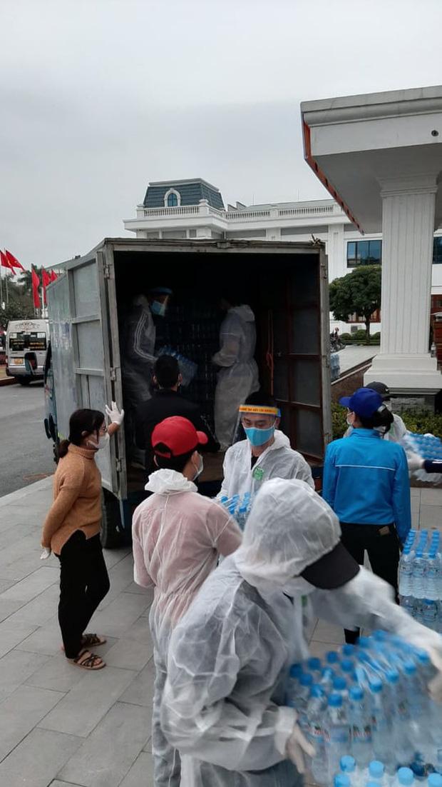 Chuyện người đàn ông di chuyển gần 500km một ngày vận chuyển hàng tiếp ứng cho vùng dịch vì không thể cầm lòng - Ảnh 2.