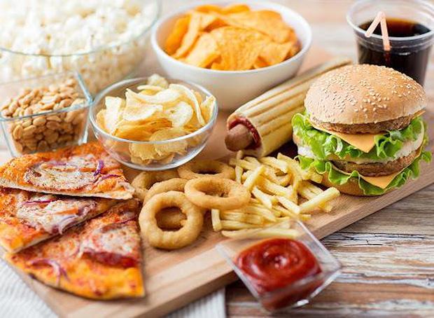4 loại thực phẩm gây tổn thương gan hàng đầu, xếp thứ 3 là món yêu thích của nhiều người ngày Tết - Ảnh 1.