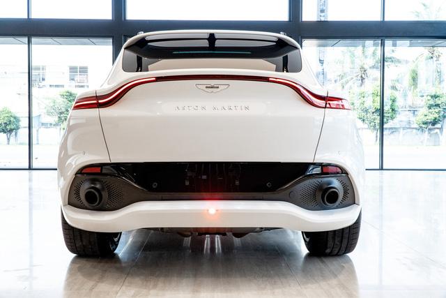 Aston Martin DBX lần đầu lộ diện full ảnh tại Việt Nam: Thêm lựa chọn cho đại gia chán Lamborghini Urus, Bentley Bentayga - Ảnh 5.