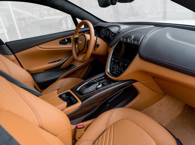 Aston Martin DBX lần đầu lộ diện full ảnh tại Việt Nam: Thêm lựa chọn cho đại gia chán Lamborghini Urus, Bentley Bentayga - Ảnh 6.
