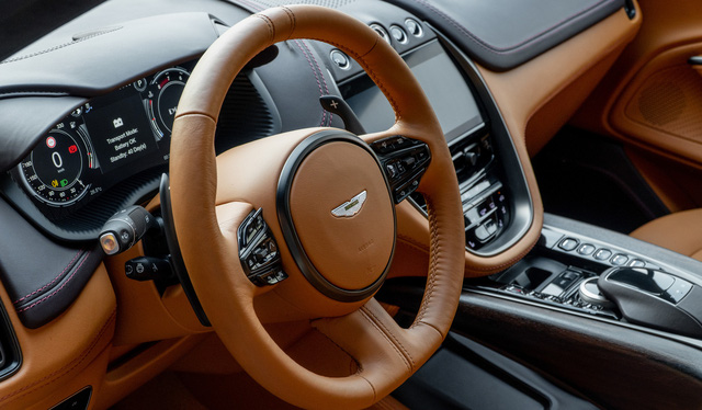 Aston Martin DBX lần đầu lộ diện full ảnh tại Việt Nam: Thêm lựa chọn cho đại gia chán Lamborghini Urus, Bentley Bentayga - Ảnh 7.