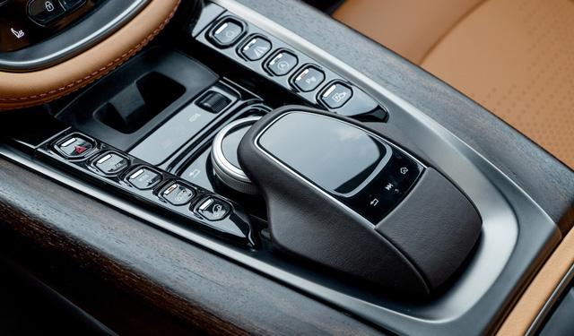 Aston Martin DBX lần đầu lộ diện full ảnh tại Việt Nam: Thêm lựa chọn cho đại gia chán Lamborghini Urus, Bentley Bentayga - Ảnh 9.