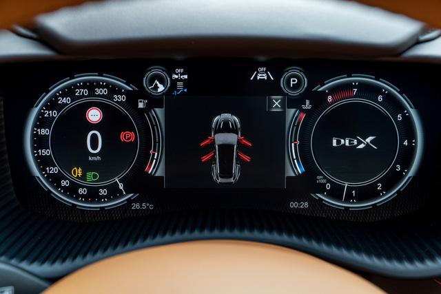 Aston Martin DBX lần đầu lộ diện full ảnh tại Việt Nam: Thêm lựa chọn cho đại gia chán Lamborghini Urus, Bentley Bentayga - Ảnh 10.