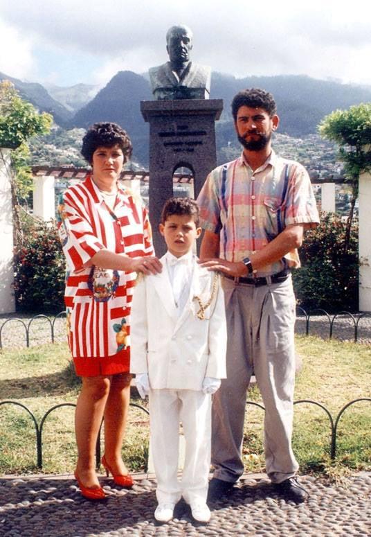 Ronaldo tuổi 36: Hành trình từ cậu bé nghèo đến triệu phú thể thao - Ảnh 4.