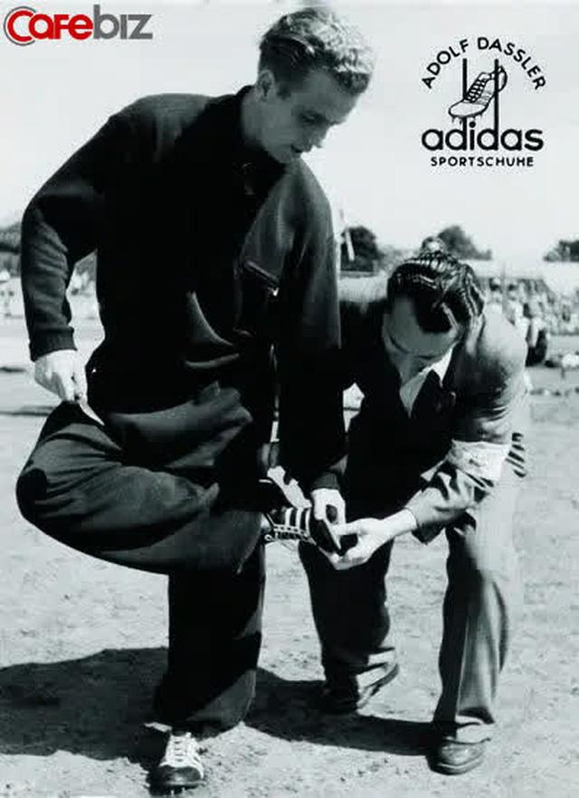 """Triết lý thành công của người sáng lập Adidas: """"Bất cứ ai cũng đều là khách hàng của tôi!""""  - Ảnh 1."""