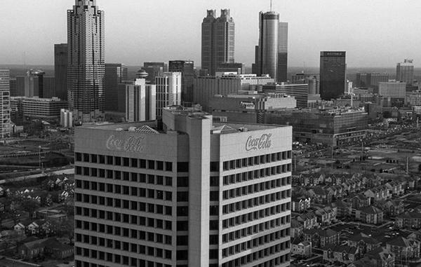 Vụ trộm ly kỳ như tiểu thuyết của nhân viên chủ chốt tại Coca-Cola: Bán thứ cực kỳ tuyệt mật của công ty cho đối thủ và cú xử lý cực kỳ cao tay của 2 ông lớn cho kẻ phản bội - Ảnh 3.