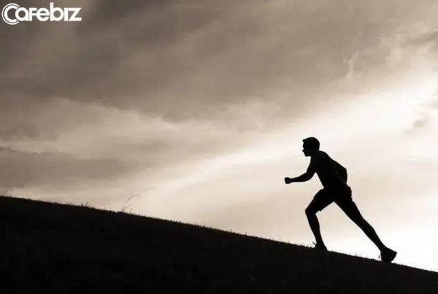 Thành công là một thái độ sống tích cực: Tự phụ, giống như một vũng lầy, rất khó để tự giải thoát - Ảnh 3.