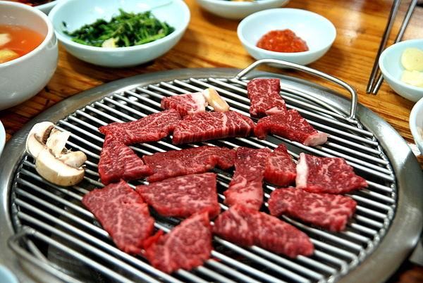 Tết Điều đặc việt về món thịt bò đắt hơn cả Wagyu và tiềm năng trở thành đỉnh cao ẩm thức omasake Hàn Quốc: Vì sao đây là món ăn chỉ dành cho giới siêu giàu? - Ảnh 3.