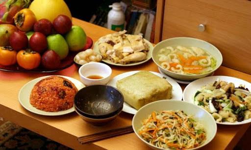 Bác sĩ dinh dưỡng: Bệnh từ miệng mà ra, những lưu ý về ăn uống ngày Tết để tránh mang hoạ - Ảnh 1.