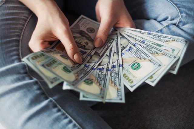 Sự tự tin của người trưởng thành đến từ sự tích luỹ của cải: Sau 35 tuổi, số dư trong tài khoản quyết định bạn cúi hay ngẩng đầu...  - Ảnh 2.