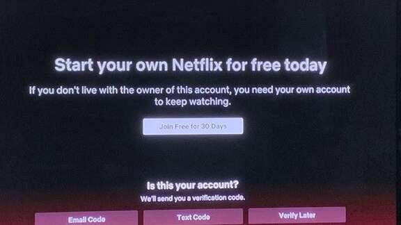 Netflix bắt đầu chặn người dùng chia sẻ tài khoản dùng chung - Ảnh 1.