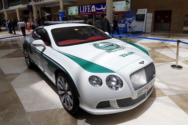 Đã mắt ngắm dàn siêu xe tuần tra của cảnh sát xứ Dubai: Toàn những cái tên đắt đỏ, tốc độ đỉnh cao đến mức tội phạm cũng khó mà chạy thoát - Ảnh 11.
