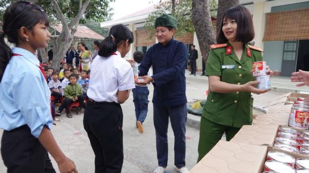 Nữ đại biểu Ksor H'Bơ Khăp nói về việc không tái ứng cử đại biểu Quốc hội: Không hề có áp lực gì - Ảnh 1.