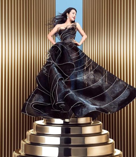 """Ái nữ của ông hoàng cửa gỗ châu Á: Phú nhị đại phá vỡ các quy tắc, """"người quyền lực của giới thời trang"""" với kho hàng hiệu khổng lồ ai cũng choáng ngợp - Ảnh 3."""