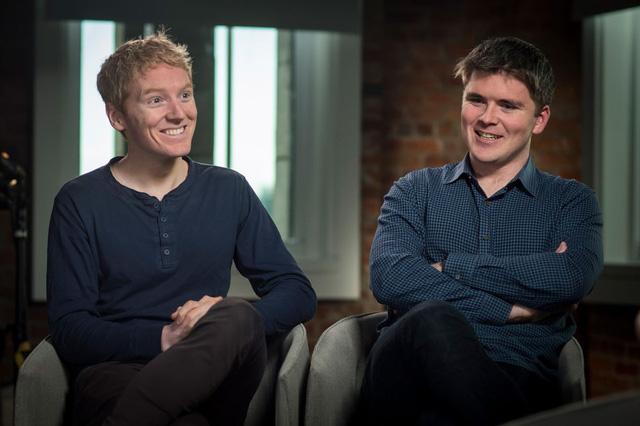 2 anh em chưa đủ tuổi uống rượu lập công ty sau này là startup 95 tỷ USD: Đến giờ vẫn đạp xe đi làm, thuê chung 1 căn hộ  - Ảnh 1.