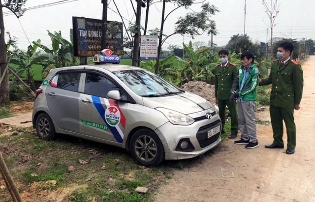Lời khai bất ngờ của tài xế taxi cầm súng bật lửa đi cướp ngân hàng tại Hà Nội - Ảnh 3.