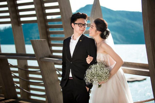 Á hậu kết hôn với thiếu gia ngành xây dựng, con trai sinh ra đã ngậm thìa vàng, 2 tuổi được bố mẹ gửi gắm vào trường học phí đắt nhất Hà thành  - Ảnh 1.