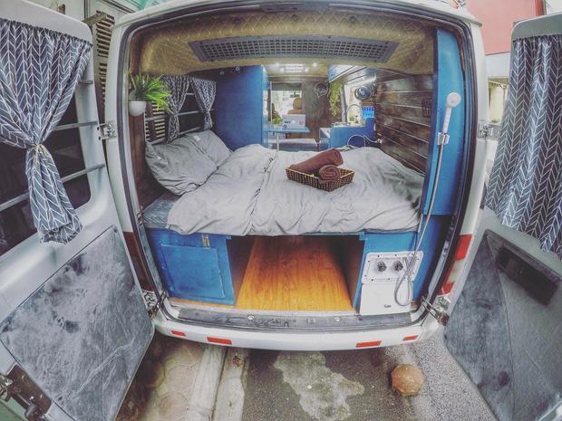 """Chi 280 triệu đồng để biến xe cũ thành nhà, đôi vợ chồng trẻ thực hiện ước mơ du lịch """"vẹn cả đôi đường"""" - Ảnh 3."""