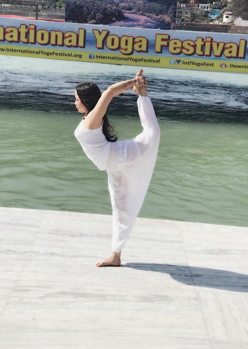 Cô gái vàng Yoga VN tiết lộ thời điểm thần thánh nên tập Yoga, 5 giải pháp để làm mới thân và tâm - Ảnh 8.