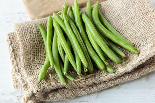 7 loại rau củ không nấu chín kĩ mà cứ ăn sống sẽ làm cơ thể bị nhiễm độc tố - Ảnh 1.