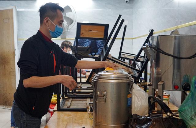 Hà Nội: Nhà hàng, quán cà phê xuyên đêm chuẩn bị cho ngày đầu hoạt động trở lại - Ảnh 12.