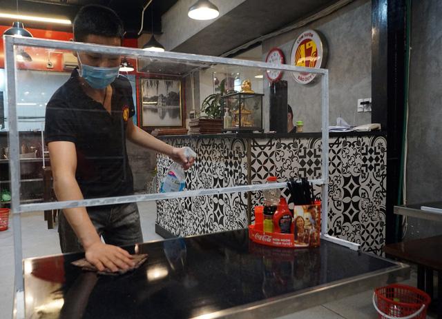 Hà Nội: Nhà hàng, quán cà phê xuyên đêm chuẩn bị cho ngày đầu hoạt động trở lại - Ảnh 17.