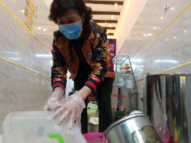 Hà Nội: Nhà hàng, quán cà phê xuyên đêm chuẩn bị cho ngày đầu hoạt động trở lại - Ảnh 9.