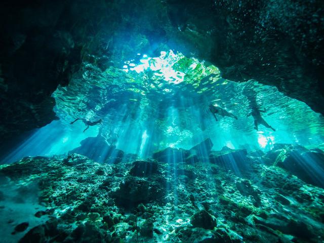 """Chiêm ngưỡng """"Hố xanh khổng lồ"""", một trong những bí ẩn lộng lẫy nhất thế giới - Ảnh 2."""