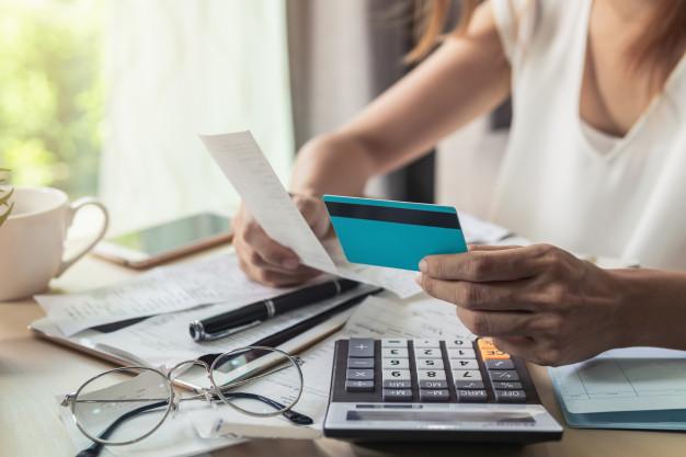 Tư duy tỷ phú giúp tôi tăng gấp đôi thu nhập 1 năm: 'Người làm việc cả ngày là người không kiếm được tiền' - Ảnh 3.