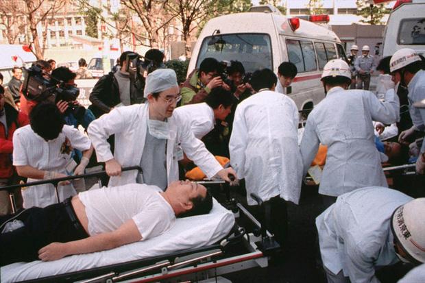 Vụ tấn công bằng khí độc sarin chấn động lịch sử nước Nhật: Ký ức đau thương kéo dài hơn 25 năm, 6000 người vẫn chịu di chứng - Ảnh 2.