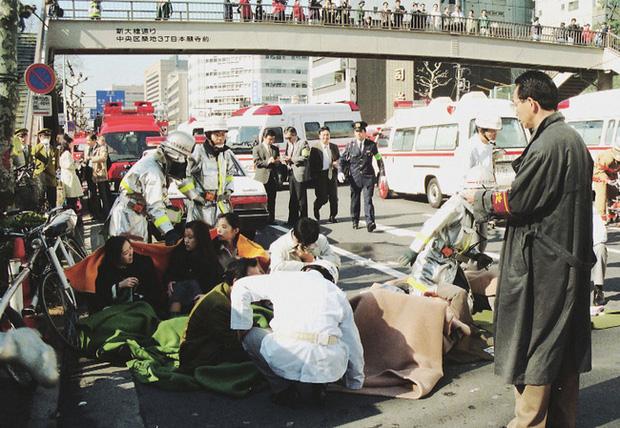 Vụ tấn công bằng khí độc sarin chấn động lịch sử nước Nhật: Ký ức đau thương kéo dài hơn 25 năm, 6000 người vẫn chịu di chứng - Ảnh 6.