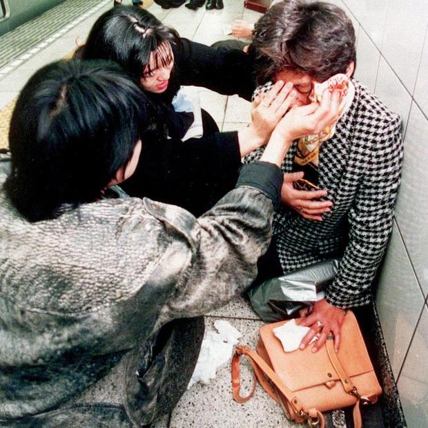 Vụ tấn công bằng khí độc sarin chấn động lịch sử nước Nhật: Ký ức đau thương kéo dài hơn 25 năm, 6000 người vẫn chịu di chứng - Ảnh 7.