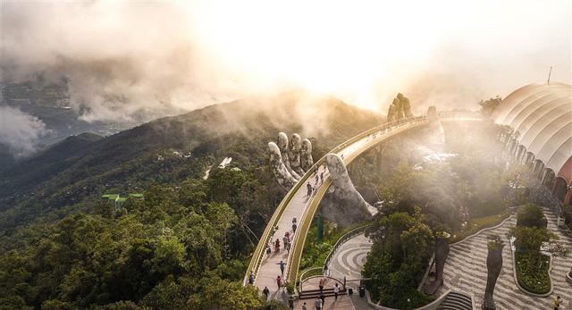 HOT: Cầu Vàng Đà Nẵng được báo Anh bình chọn là kỳ quan thế giới mới, nằm đầu tiên trong danh sách - Ảnh 3.
