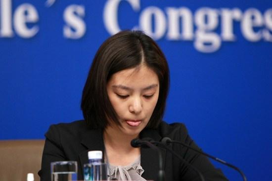 Nữ phiên dịch Trung Quốc xinh đẹp gây bão MXH: 8 năm trước từng dậy sóng vì giống Triệu Vy và những thành tích khiến ai cũng nể phục - Ảnh 5.