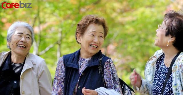 Người Nhật Bản không thích thể thao nhưng vì sao vẫn có tuổi thọ dài nhất thế giới? Vì họ không ăn no và dùng bát đĩa đẹp để bày biện đồ ăn! - Ảnh 1.