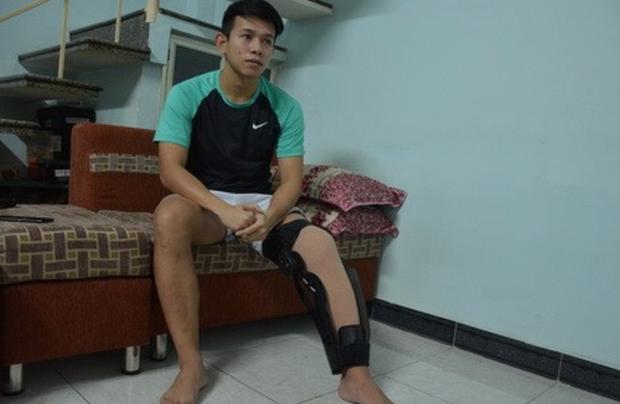 """6 năm sau pha """"đốn giò"""" của Quế Ngọc Hải, Anh Khoa đã theo nghiệp HLV bóng đá: Bài học đầu tiên dạy học trò là giữ gìn đôi chân cho đồng nghiệp - Ảnh 2."""